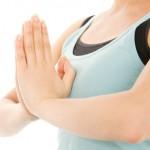 垂れた胸を改善してバストアップする筋トレ方法!